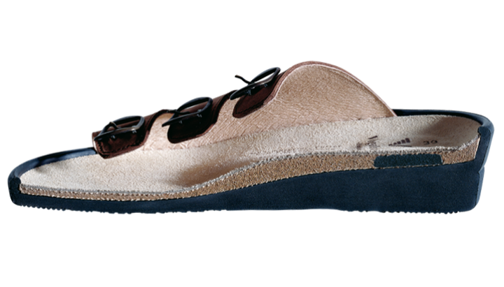 Fußbett mit Fersenfederung und gepolsterter Lauffläche